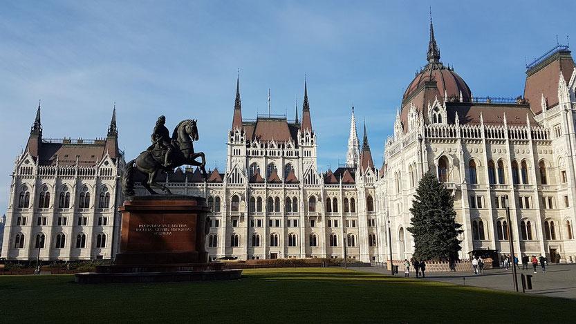 Budapest, Schloß Gödöllö, Gellert Berg, Ausflug und Reiseziele mit vielen Tipps und schönen Fotos. ich berichte