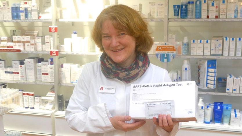 Dr. Kathrin Bihl bietet in ihrer Apotheke in Ellerau als erste im Raum Quickborn Corona-Schnell-Tests an