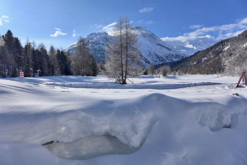 Winter Campingplatz Morteratsch mit Gletscherblick Engadin St. Moritz