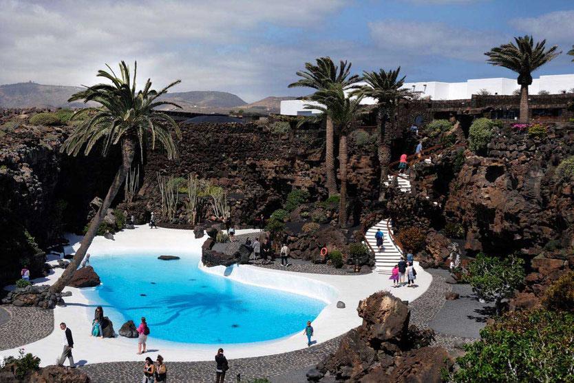 Jameos del Agua Lanzarote Cesar Manrique Pool Vulkan Landschaft