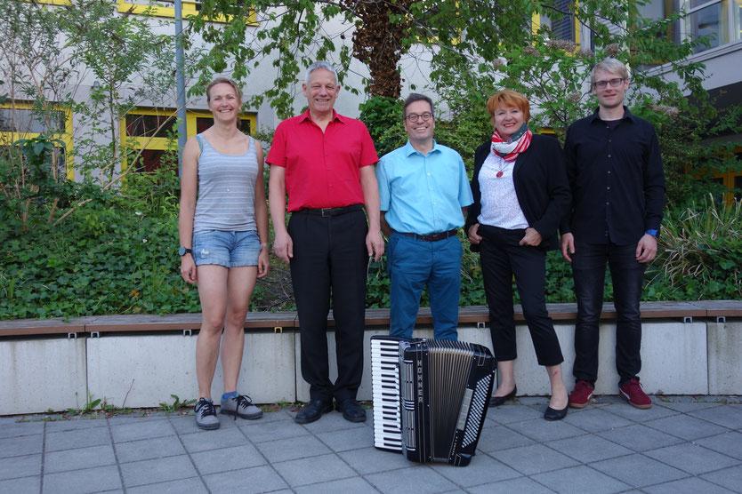 Der Vorstand des Akkordeonorchester Unterpfaffenhofen e.V. von links nach rechts: Sonja Selle, Stefan Schalamon, Stefan Kratzsch, Angela Schmid, Frank Ehmann
