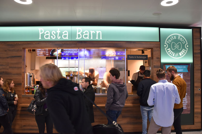 «Pasta Barn» am Hauptbahnhof Zürich. Photo © Philipp & Pascal Luder, «Pasta Barn»