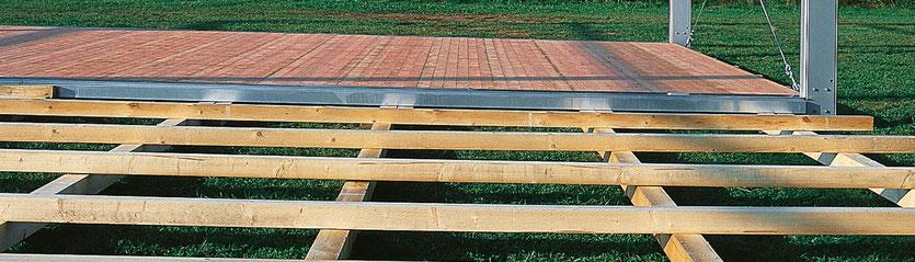 Holzfußboden auf Kantholzunterbau
