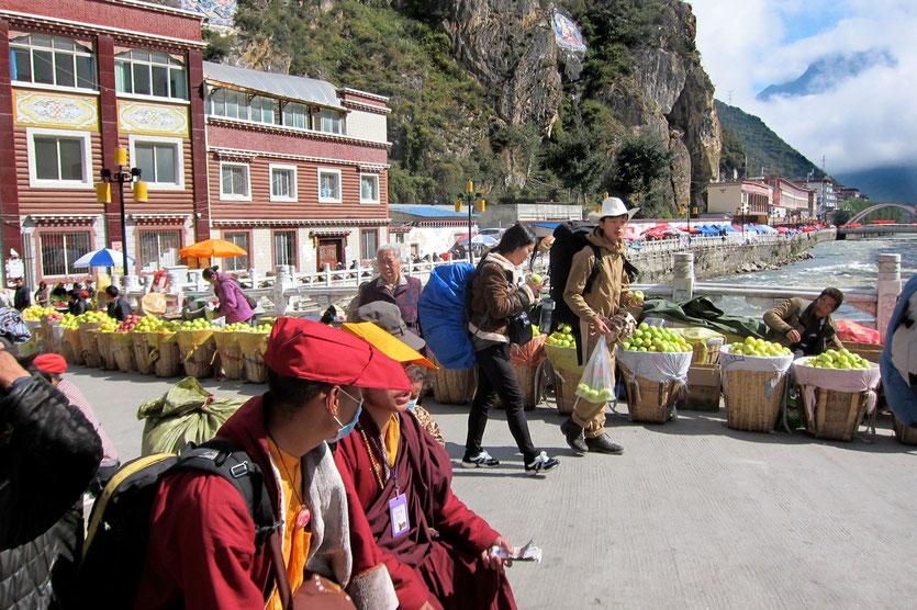 Kangding market, tibetan highland