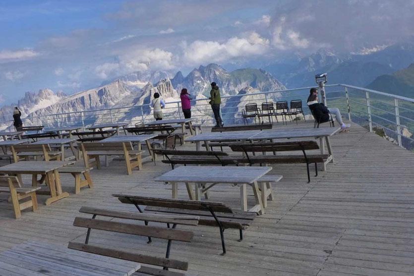 Terrasse Lagazuoi-Hütte Dolomiten