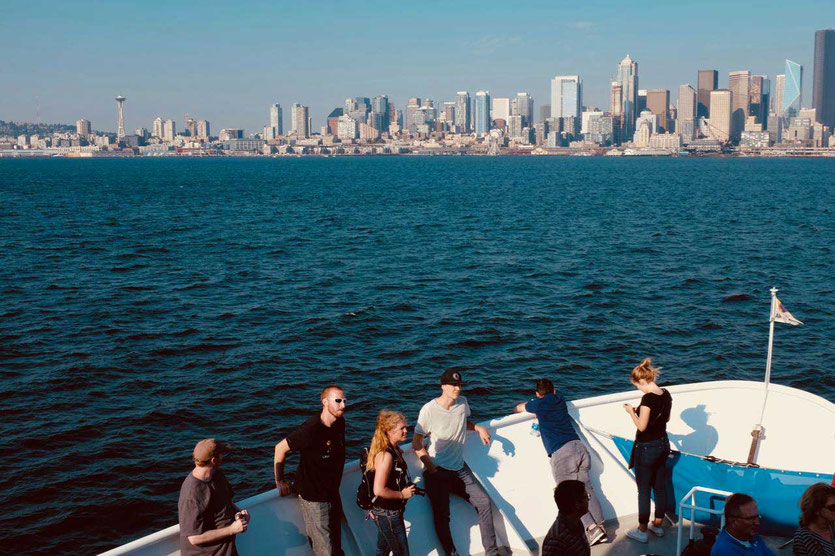 Boat Tour Seattle Panorama mit Space Needle vom Wasser