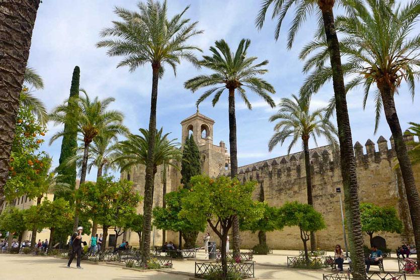 Der Alcázar de los Reyes Cristianos von außen