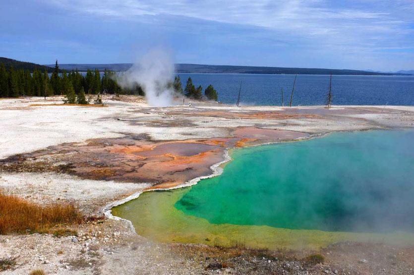 Bunter Abyss Pool iWest Thumb Geysir Basin Yellowstone