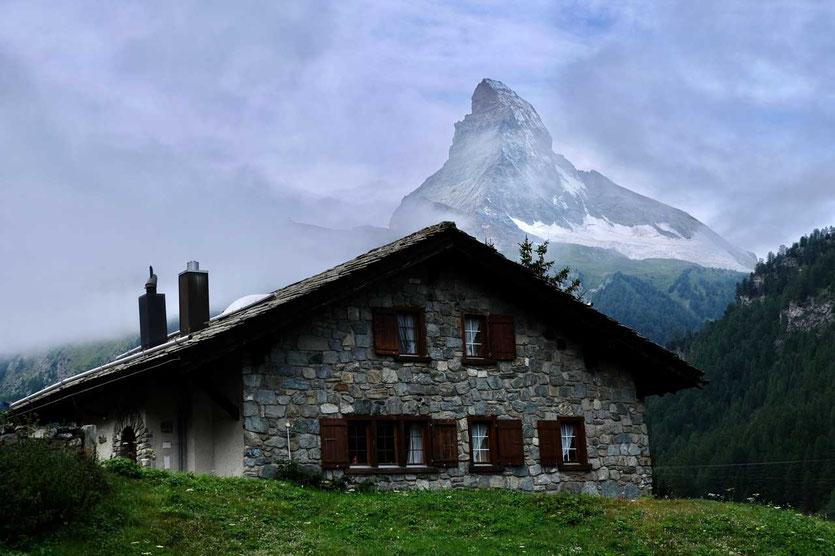 Zermatt Dorfhaus mit  Matterhorn