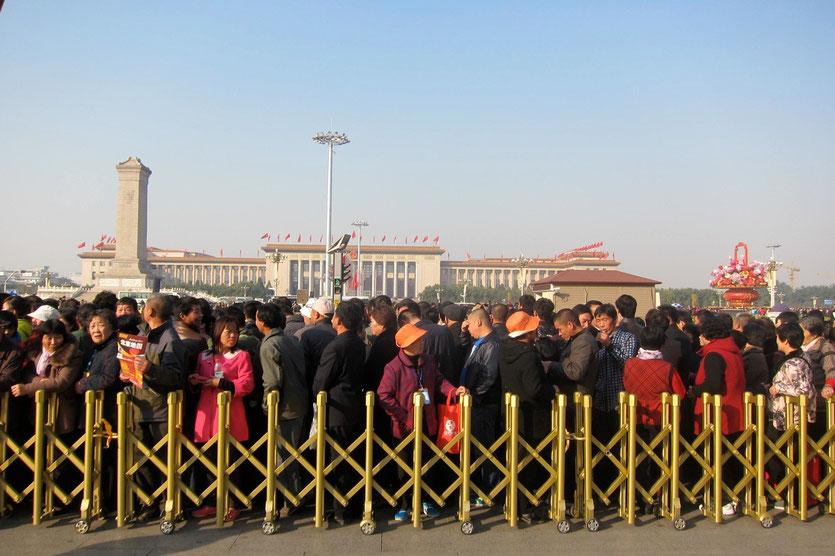 Tiananmen Platz Wartschlangen Mao Mausoleum