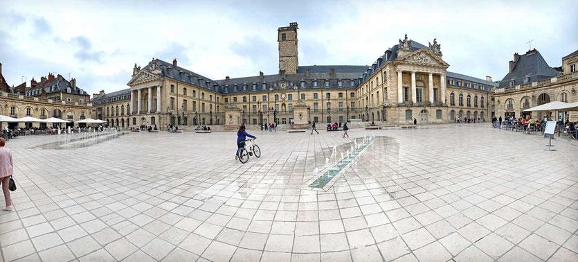Place de la Libération Dijon
