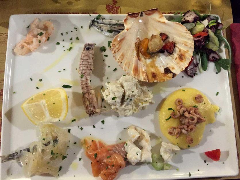 Feinster Seafood Appetizer im Fischrestaurant Antico Calice, Venedig