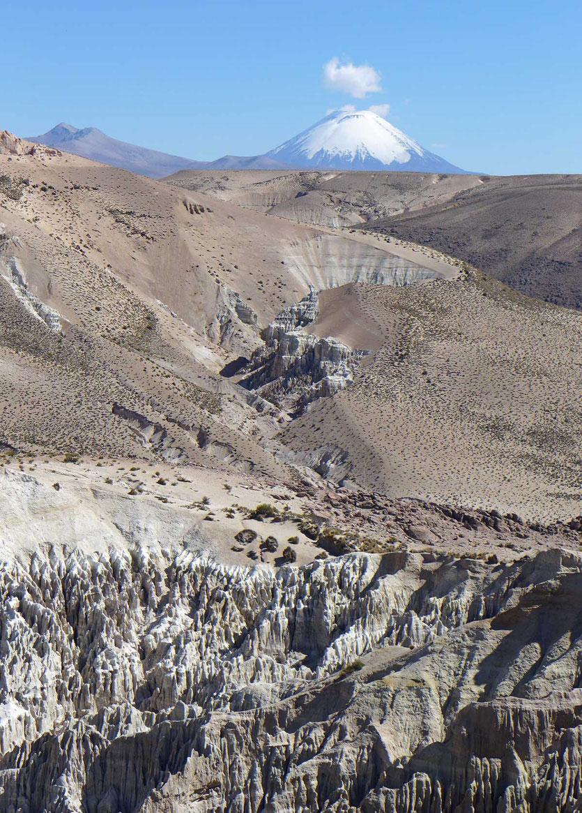 Quebrada de Chuba, Chile Altiplano Vulkane und Felsen