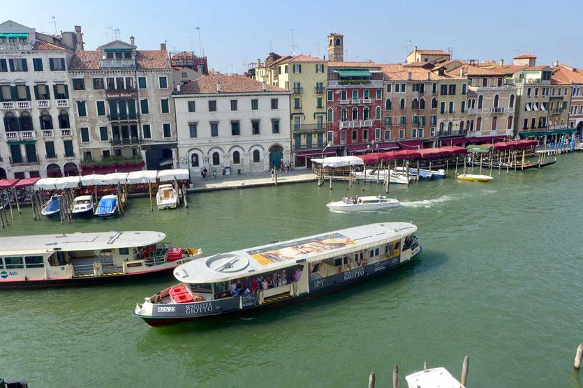 Venedig Vaporetto städtischer Schiffsverkehr