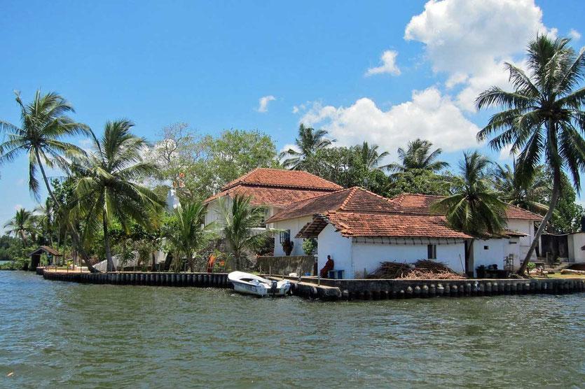 Temple Madu Ganga Sri Lanka
