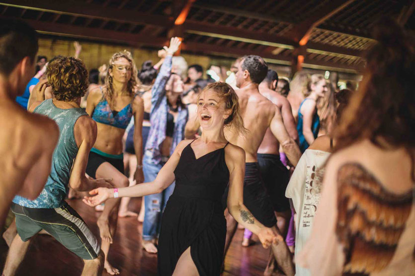 Ecstatic Dance im Yoga Barn Ubud