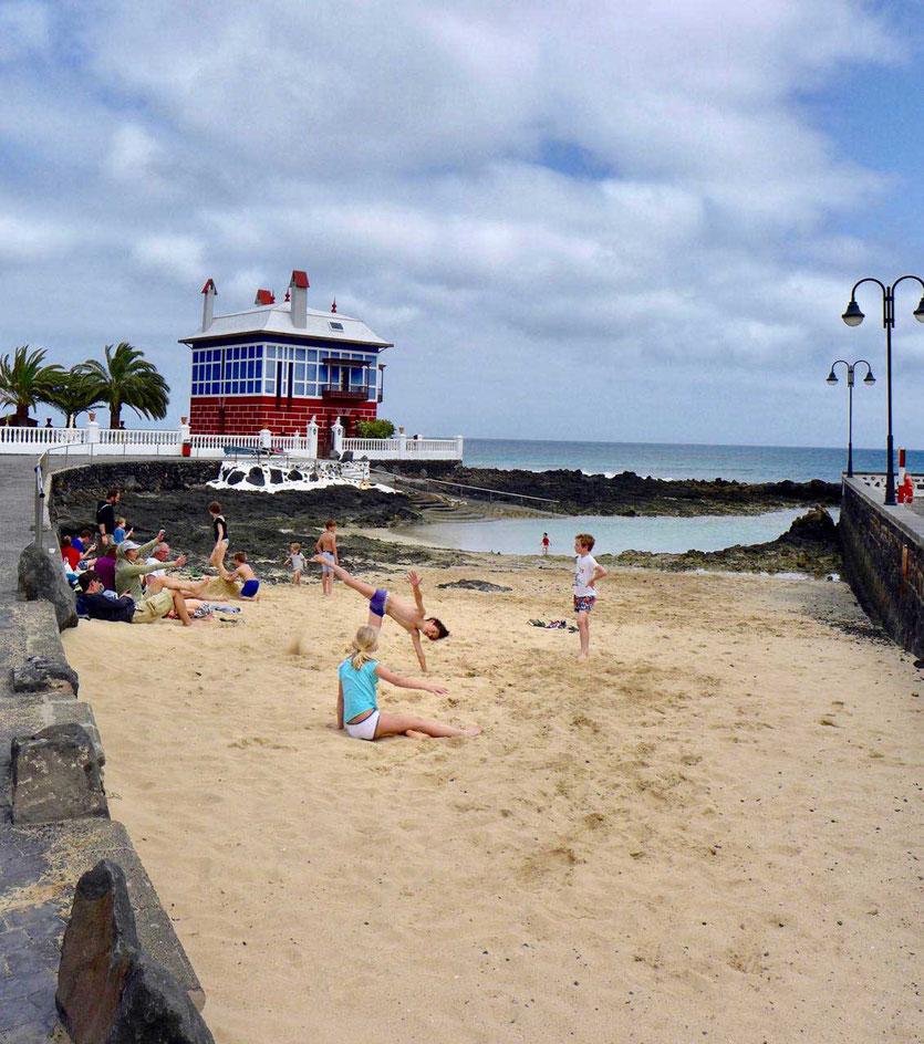 Blaues Haus (Casa Juanita) Strand Hafen Arrieta Lanzarote