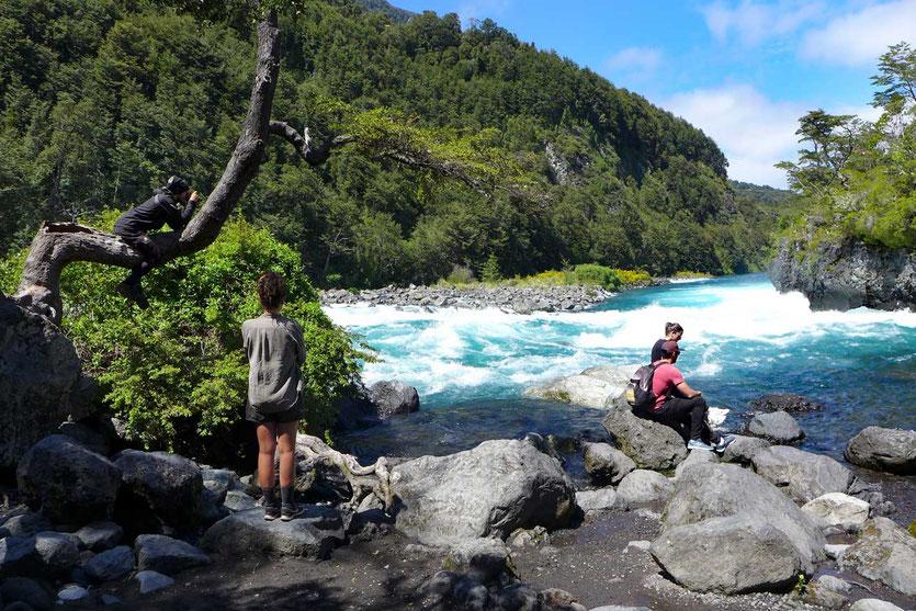 Wanderweg 'Sendero Los Enamorados' am Rio Petrohué