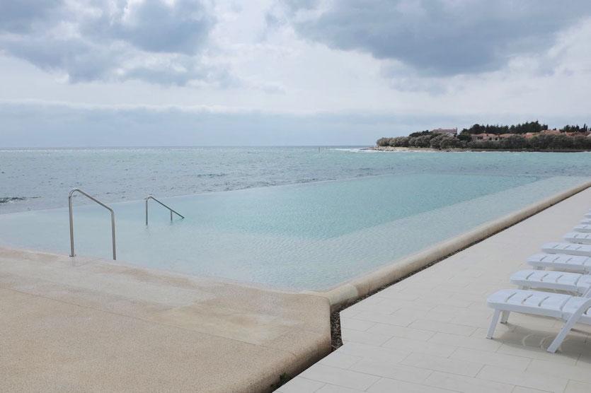 Sirena Camp Infinity Pool Novigrad Istrien