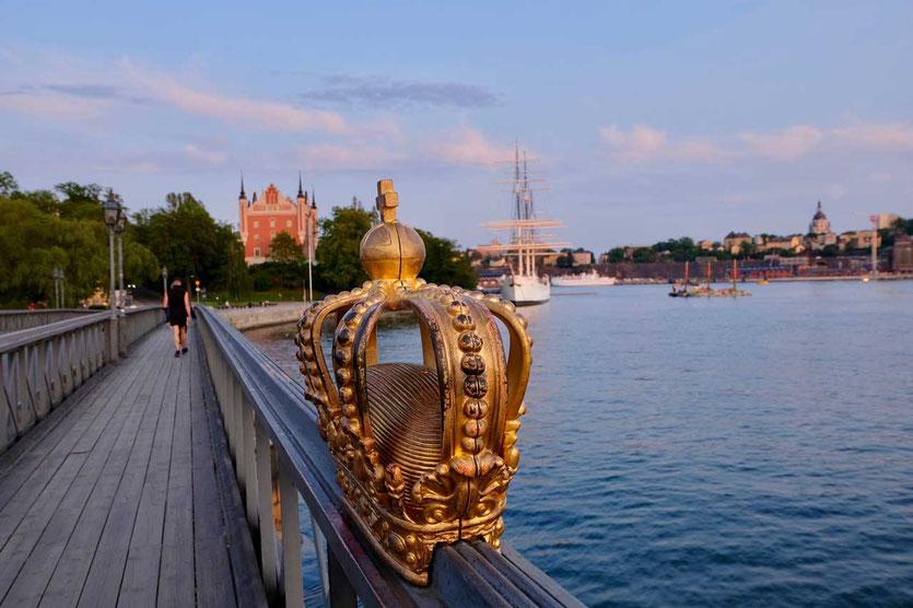 Brücke mit Krone Insel Skeppsholmen Stockholm