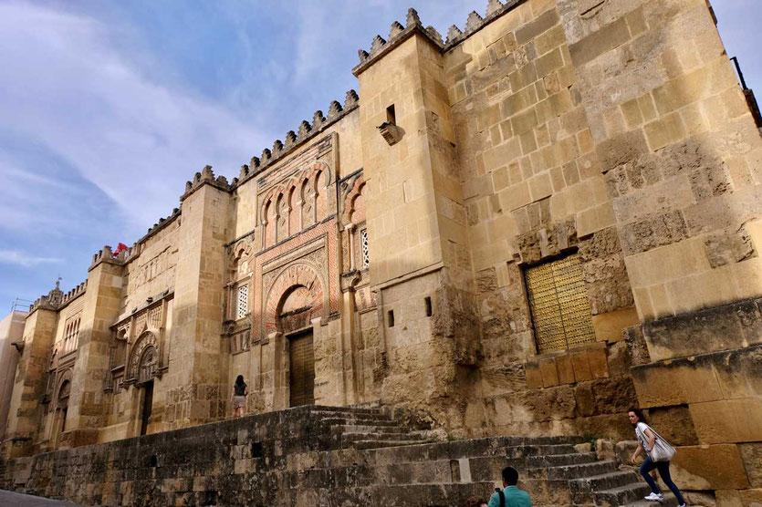 Die prächtige Westfassade der Moschee von Córdoba