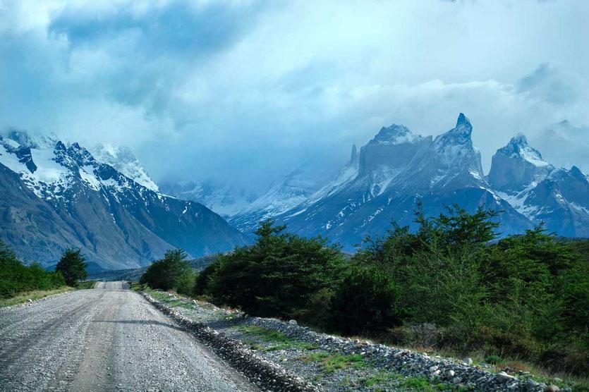 Zufahrt Serrano West Schotterstraße zum Torres del Paine