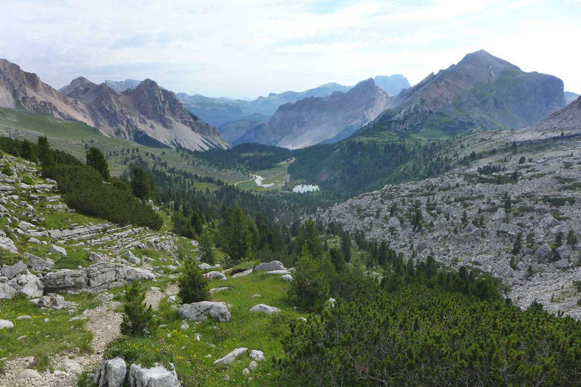 Dolomiten-Höhenweg Nr. 1 Blick auf Fanes Hütte