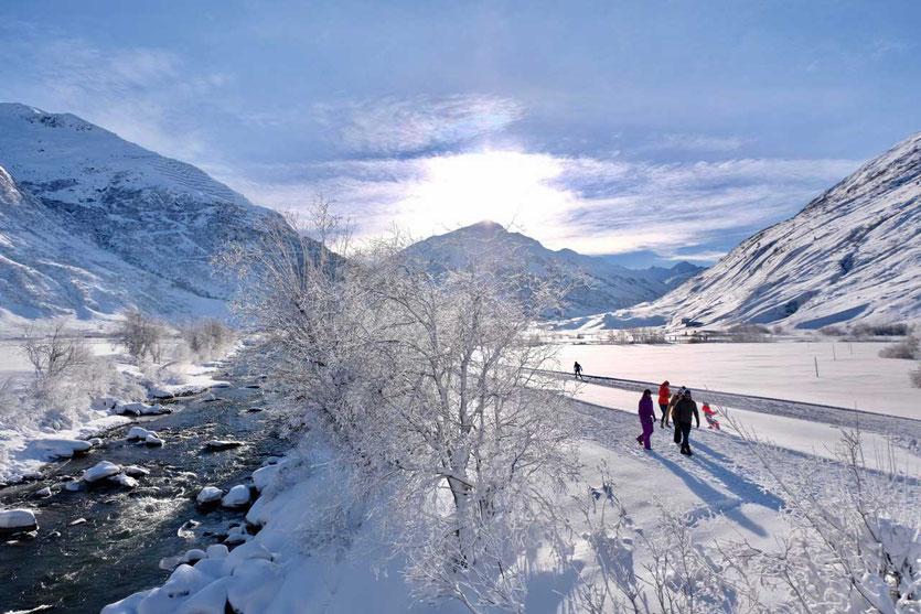 Winterwandern und Langlauf im Urserntal Andermatt