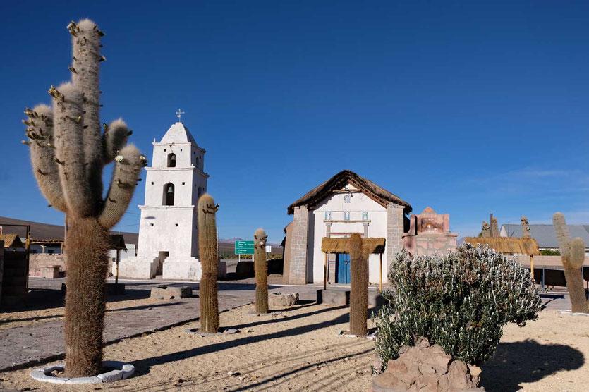 Dorfplatz von Cariquima Altiplano Chile
