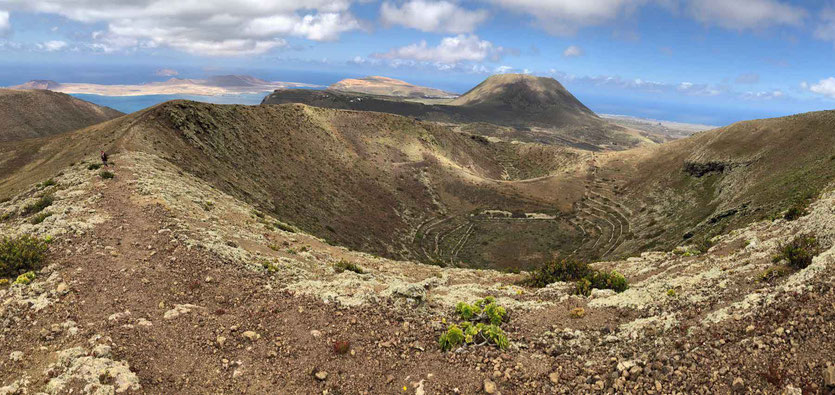 Los Helechos Vulkankrater Wanderung Lanzarote Norden Aussichtsberg