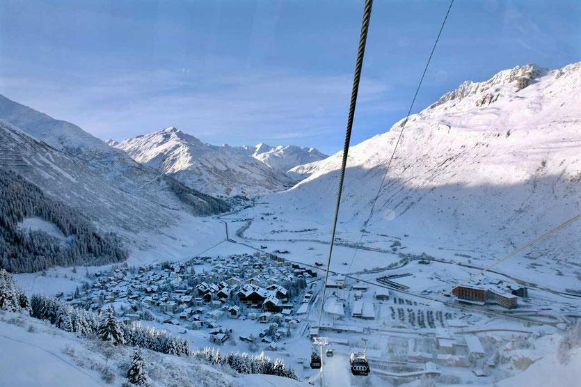 Andermatt Skigebiet Gondelbahn Gütsch-Express