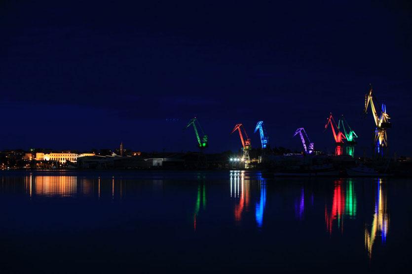 """Skiras """"Leuchtende Giganten"""" in Pula Photo: Goran Sebelic"""