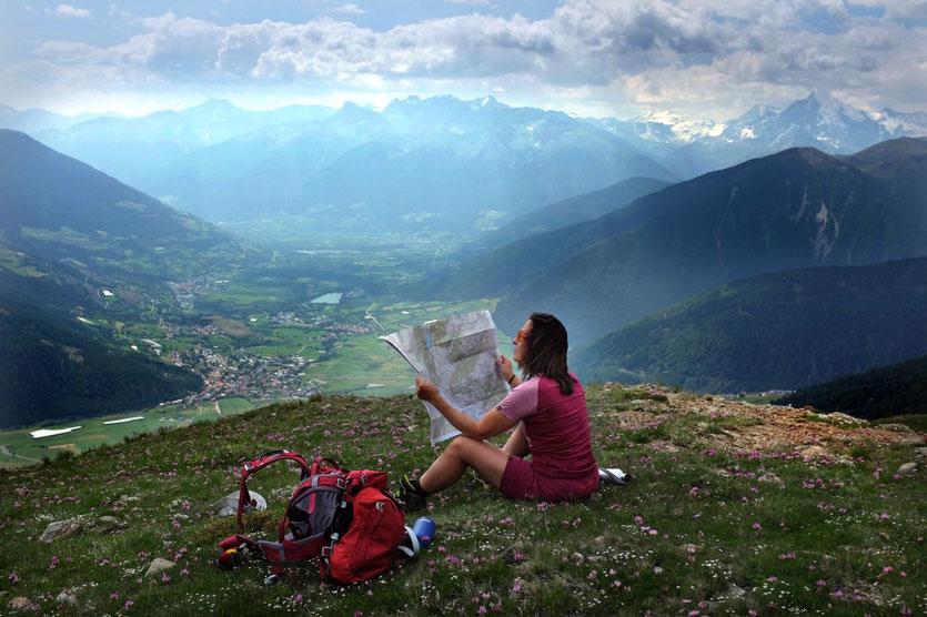 Südtirol Vinschgau schönste Wanderung Panorama Watles Aussichtsberg Bergbahn