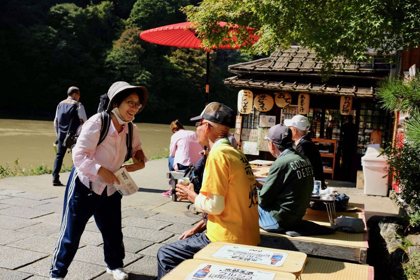 Station Bahnhof Arashiyama river restaurant tipp am Fluß, things to do, best must try restaurants