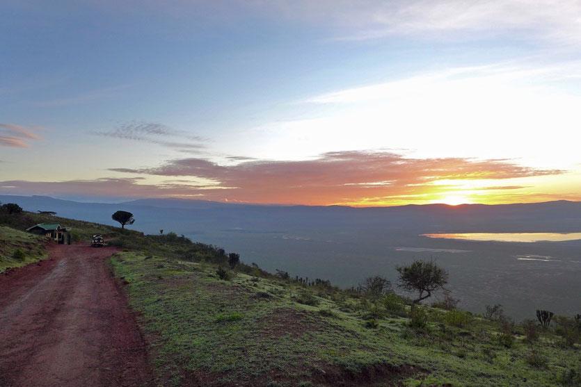 Sunrise Ngorongoro Crater Gate Tanzania Safari