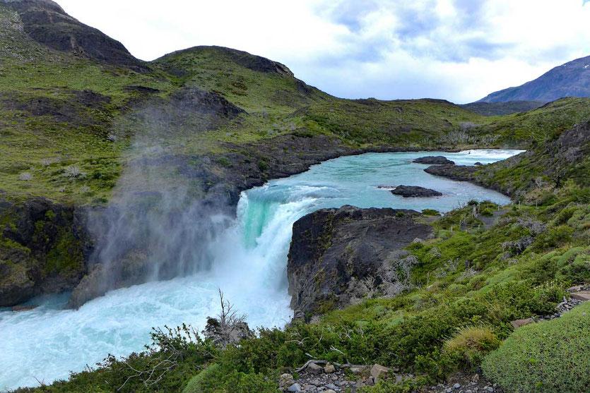 Salto Grande Torres del Paine