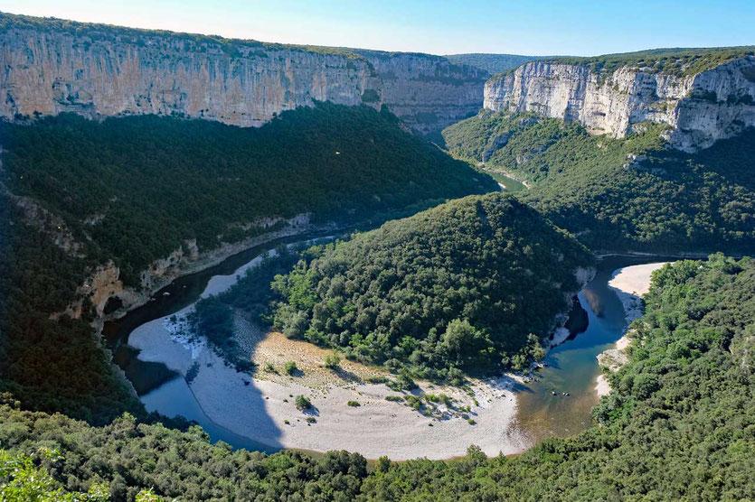 Panoramastraße in die Gorges de l'Ardèche