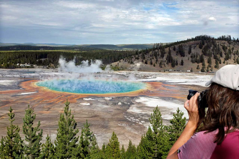 Yellowstone Grand Prismatic Spring Overlook