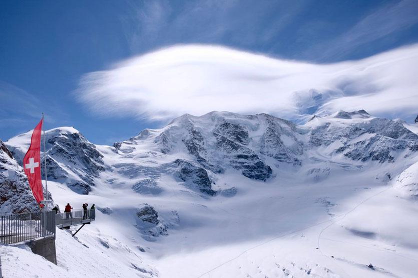 Großartige Bergkulisse auf der Diavolezza Bergstation