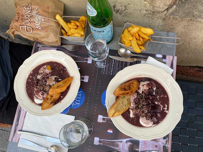 'Oeufs en Meurette' in der Brasserie KENT