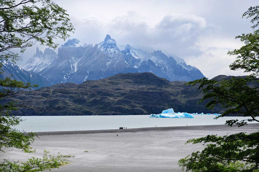 Strand Lago Grey See Torres del Paine