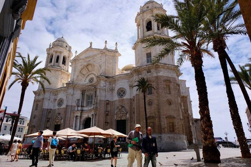 Imposante Kathedrale von Cádiz