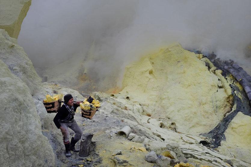Java kawah ijen Vulkan tour blaue feuer Ijen crater blue fire