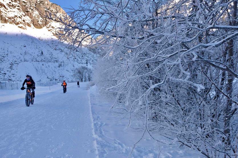Winterbiken von Andermatt Richtung Hospental