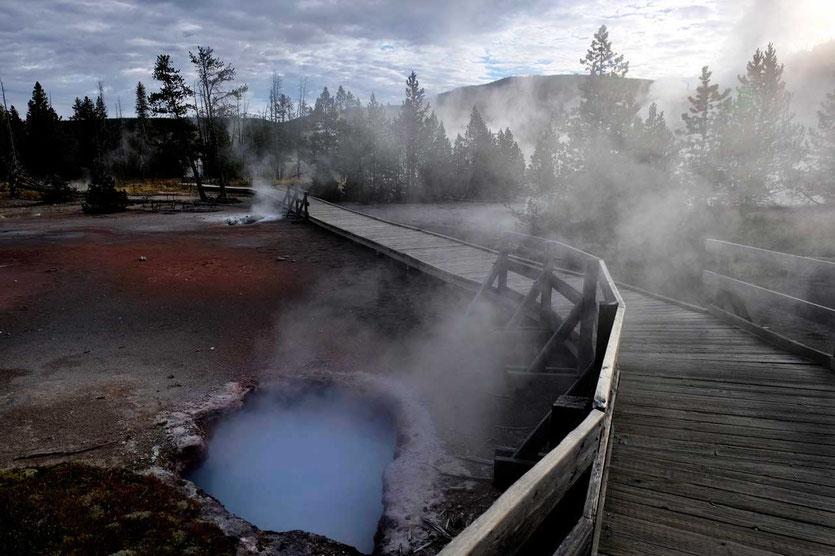 Blauer Pool Artists Paintpots Yellowstone Nationalpark