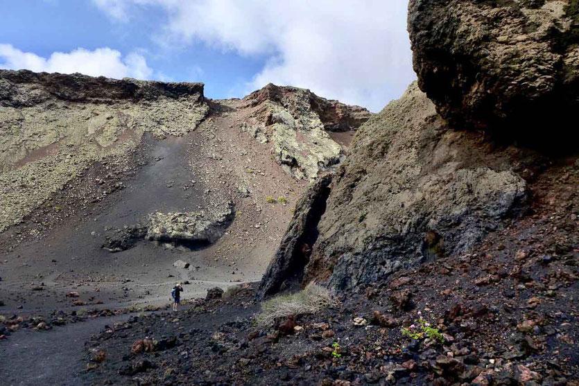 Im Krater der Caldera de los Cuervos, Vulkan-Wanderung Lanzarote