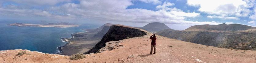 Wanderung auf dem Kliffrand des Risco de Famara Lanzarote
