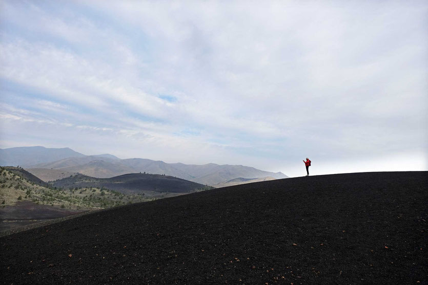 Auf dem 'Inferno Cone' im Craters of the Moon National Monument