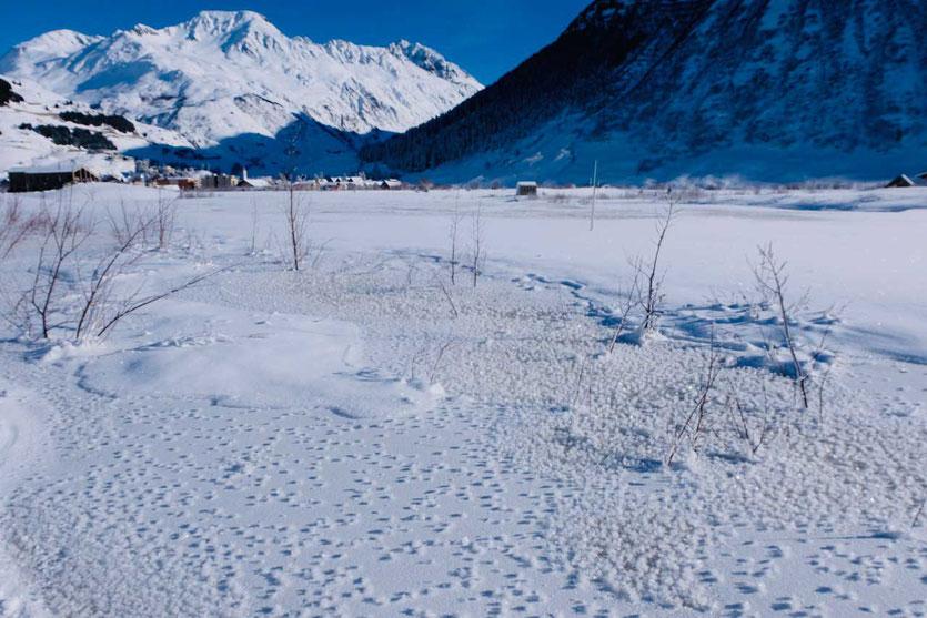 Winterliche Tal von Andermatt Schweiz