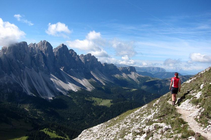 Am Anfang des anspruchsvollen Günther-Messner-Steigs, Villnösstal Dolomiten
